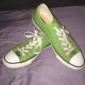 Green converse all stars men 8 women 10